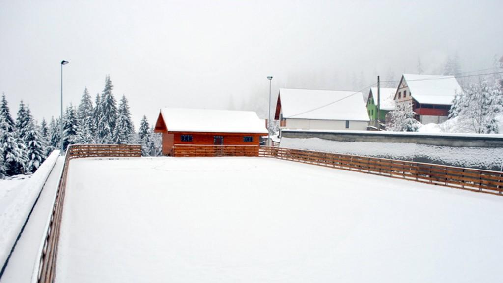 Vila Artemis Rausor Retezat - patinoar